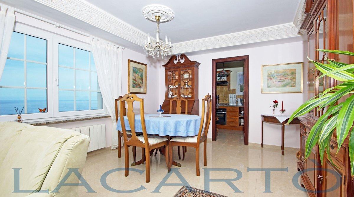 Wohn- und Esszimmer. Chalet in El Pris, Tacoronte mit Meer- und Teideblick