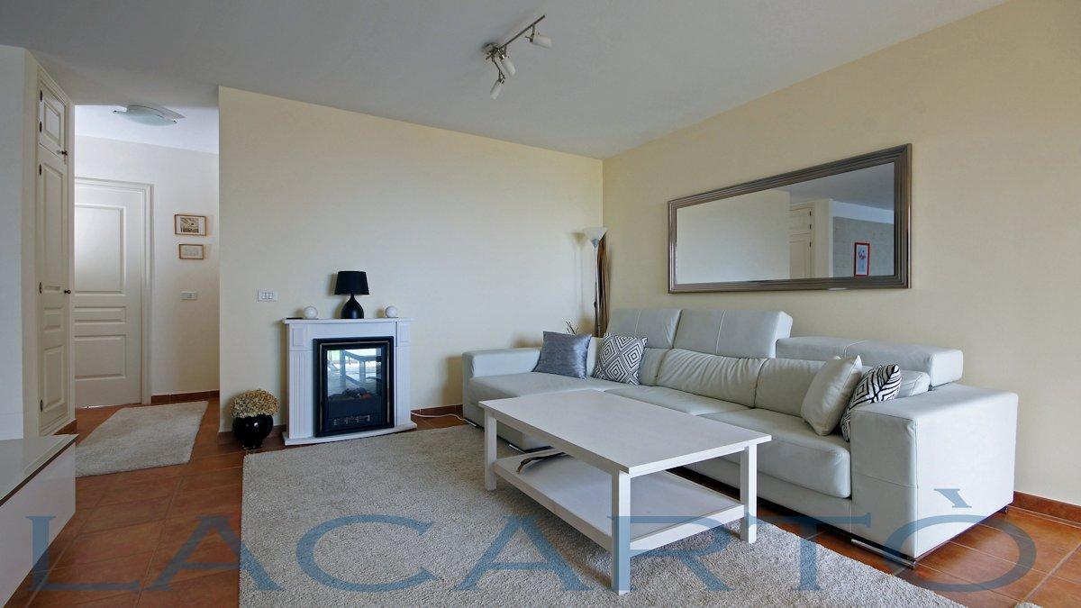 Wohnzimmer mit Elektro-Kamin. Penthouse La Quinta Santa Ursula zu verkaufen