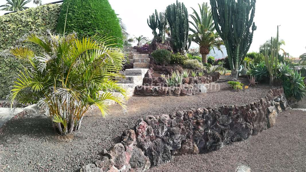 Garten Gestein. Chalet Jardin del Sol