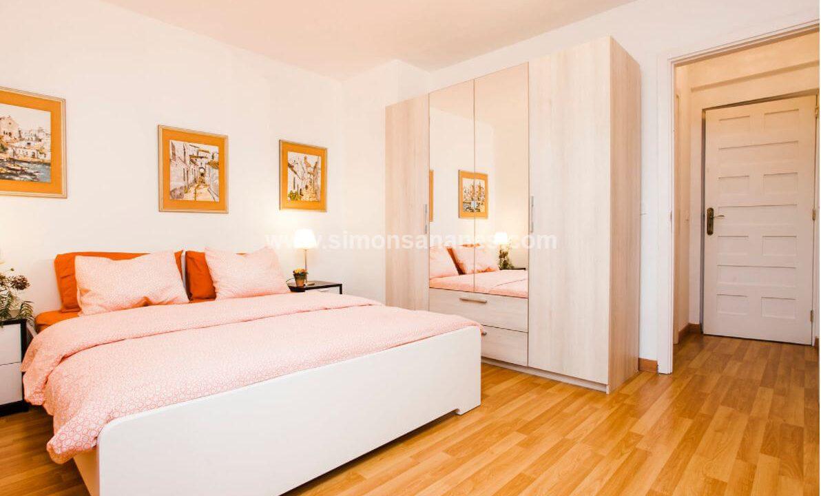 2-Schlafzimmer-Wohnung-Puerto-de-la-Cruz.-Schlafz.1