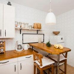 Kücke mit Tisch 2. Haus El Sauzal mit Blick Teide + Atlantilk