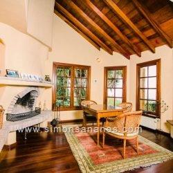 Luxus Villa La Orotava. Kamin im WZ mit Blick