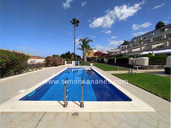 Hochwertige Wohnung mit Pool und Garten in Cuesta La Villa